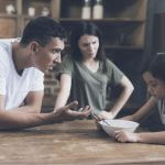 5 Worrisome Signs Of Gaslighting Parents And How To Cope miniature